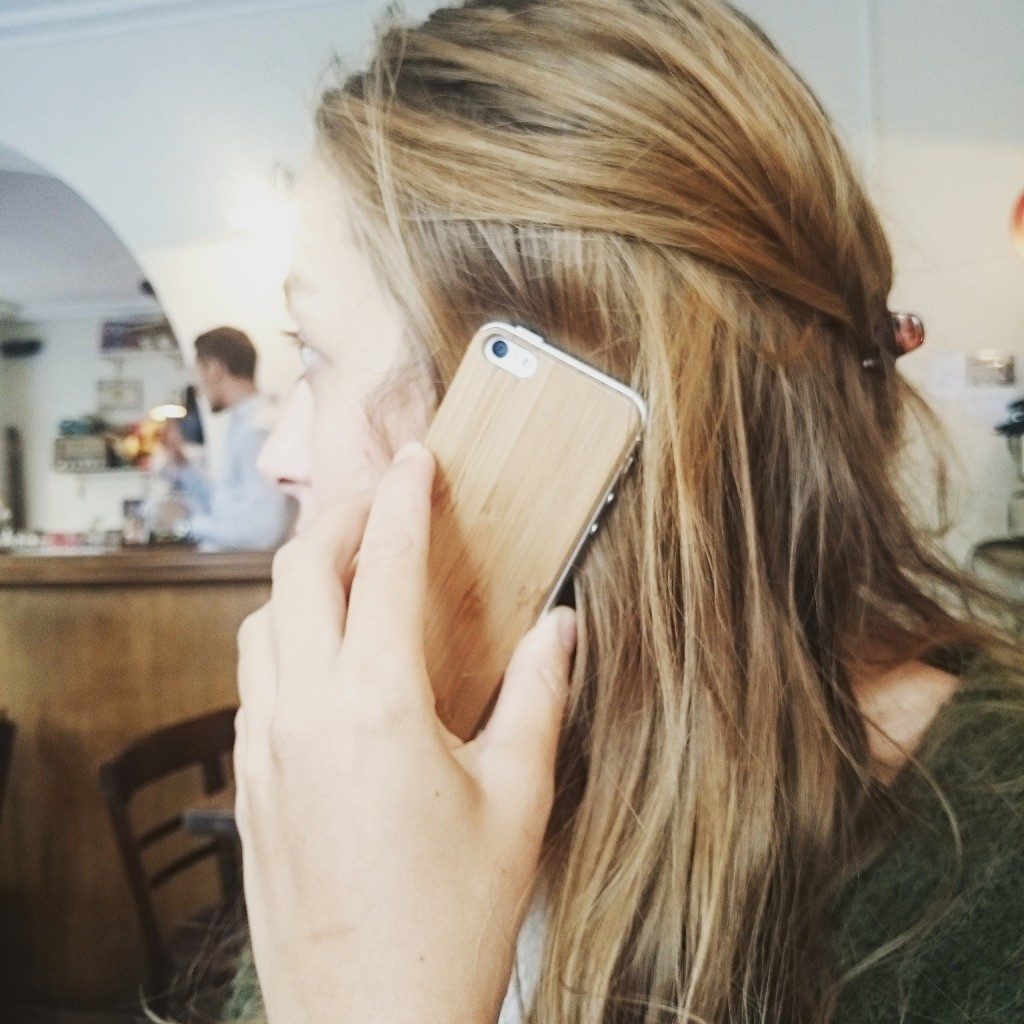 coque-en-bois-iphone