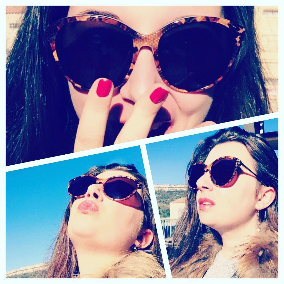 Que pensez-vous de mes nouvelles @sky_eyes_sunglasses ? Moi j'en suis totalement #addict ! #tendance #mode #skyeyes #sunglasses #sun #girl #fashion #fashionblogger #lunettes #soleil