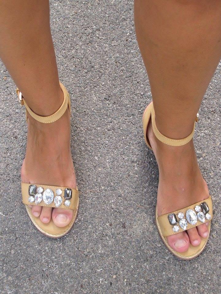 sandale blanche porte